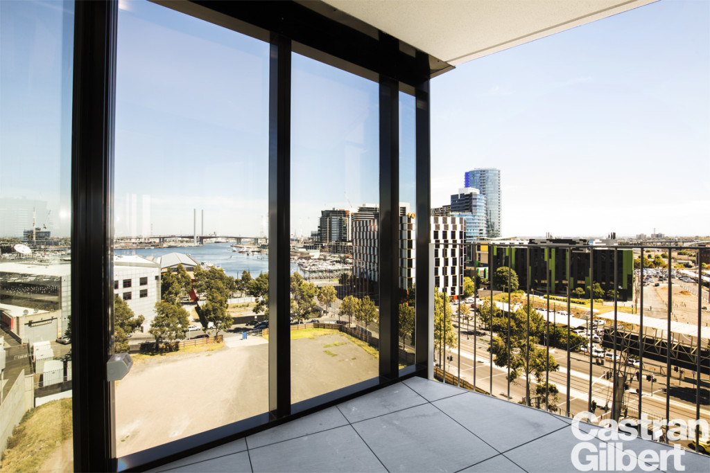 latrobe_708_675-77_docklands_balcony_low_res